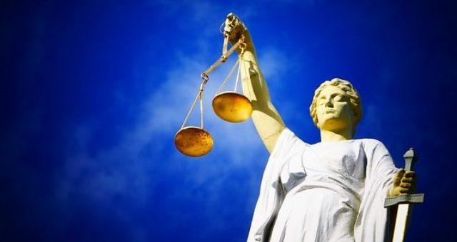 """Von vermeintlicher """"Reichsbürgerin"""" gewonnene Kündigungsschutzklage gegen die Bundesrepublik Deutschland nun rechtskräftig"""